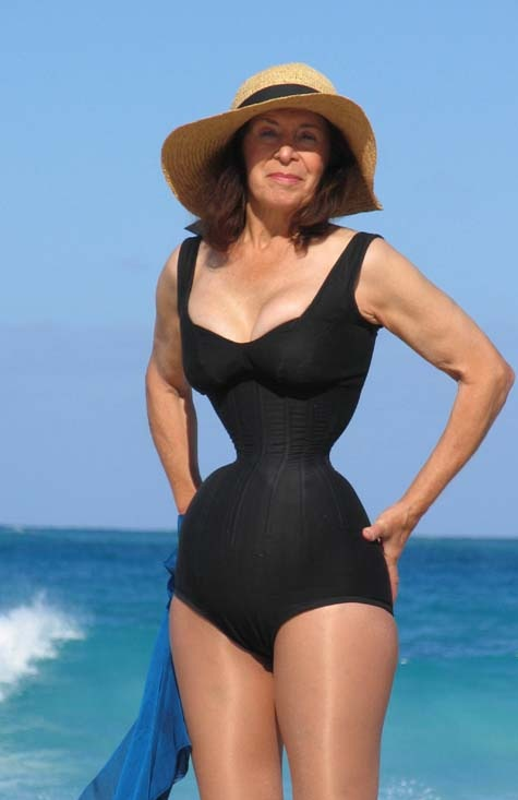 """minutes with: Cathie Jung, world's smallest waist woman, """"I don ..."""